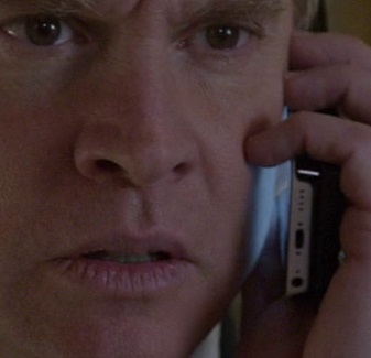 File:9x01 Ron Clark phone.jpg