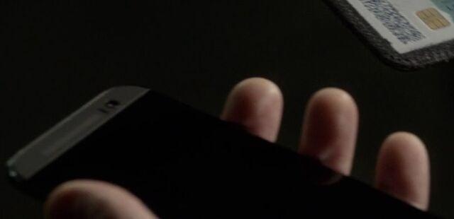 File:9x06 fake CIA phone.jpg
