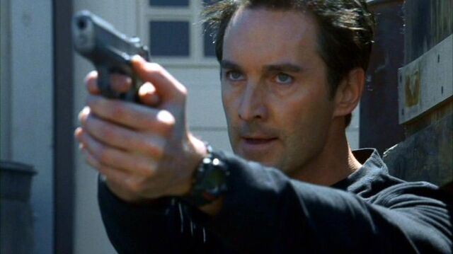 File:7x02 - Alan Tanner escapes.jpg