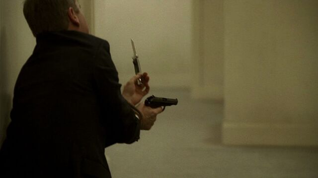 File:6x13 Jack with knife.jpg