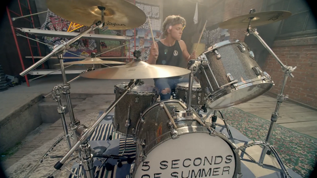 File:5 Seconds of Summer - She Looks So Perfect - 5 Seconds of Summer Wiki (43).png