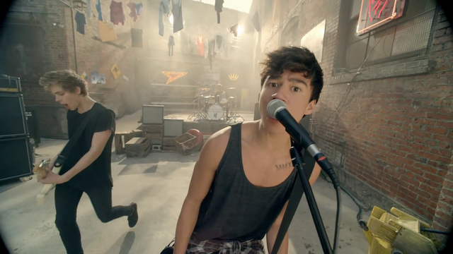 File:5 Seconds of Summer - She Looks So Perfect - 5 Seconds of Summer Wiki (105).png