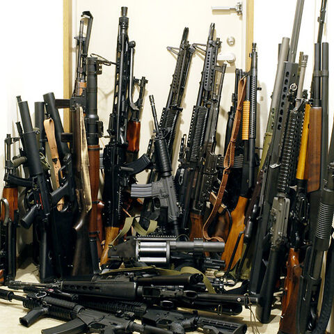 File:Lots-of-guns.jpg