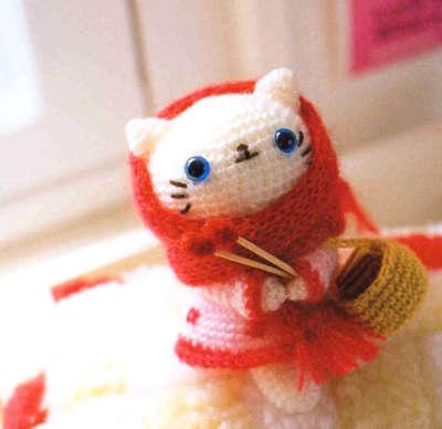 File:Crochet-White-Kitten-Doll-Mao-Mao.jpg