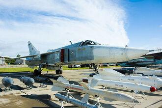 800px-Sukhoi Su-24