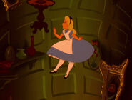 Alice-in-wonderland-disneyscreencaps.com-562