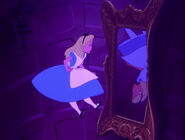 Alice-in-wonderland-disneyscreencaps.com-577