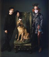 Tim-Burton-and-Johnny-Depp-alice-in-wonderland-2010-11557736-800-938