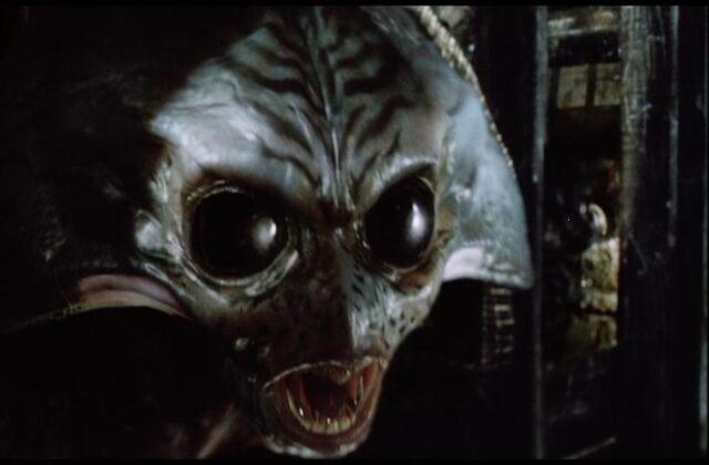 File:War of the Worlds Alien 2005.jpg