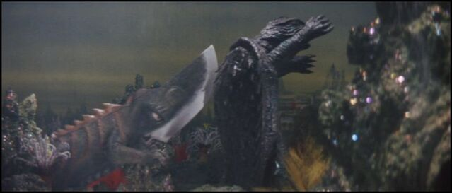 File:Gamera and Guiron fight..jpg