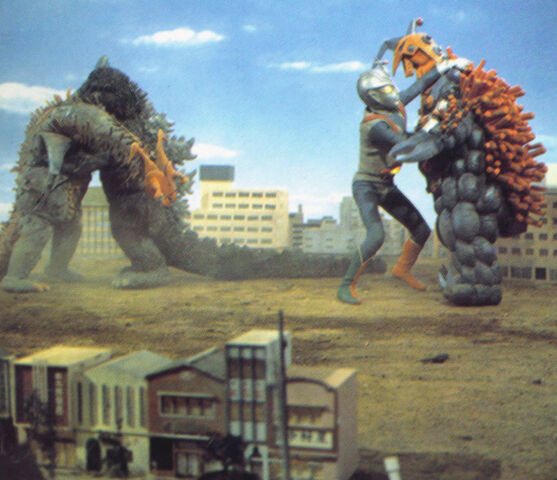 File:Godzilla and Zone Fighter take on Wargilgar and Splyer..jpg