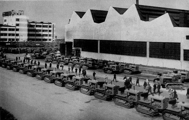File:Chelyabinsk tractor factory 1930s.jpg