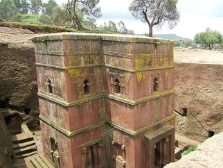 800px-Bet Giyorgis church Lalibela 01