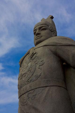 File:Zheng he statue.jpg