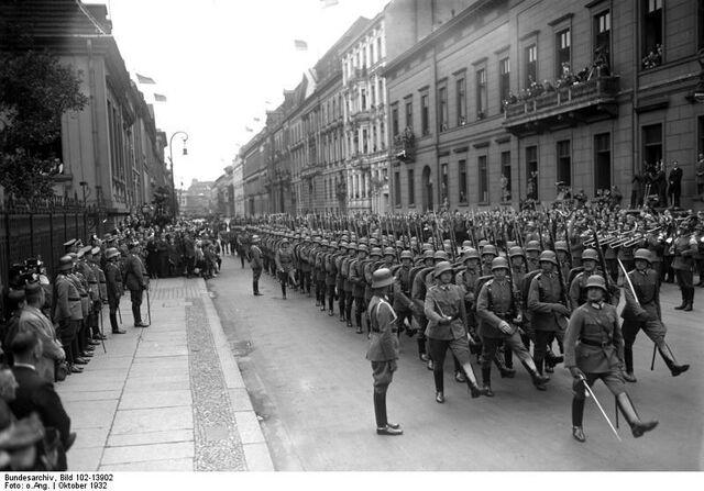 File:Bundesarchiv Bild 102-13902 Geburtstag Hindenburgs Ehrenkompanie.jpg