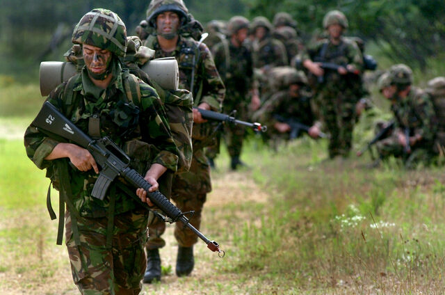 File:072808-British soldiers-full.jpg