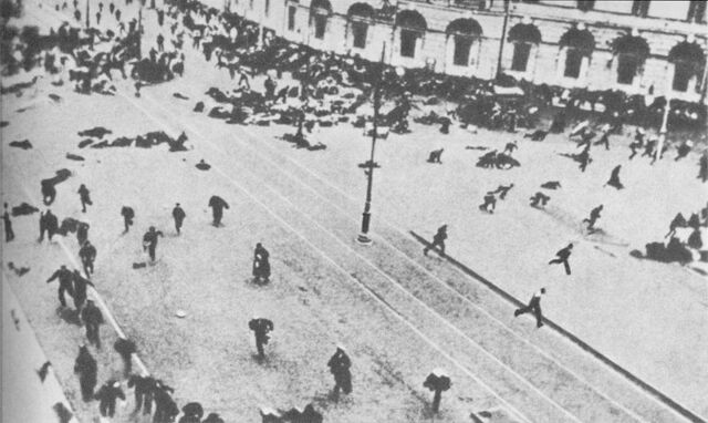 File:800px-Execution of demonstration 1917-july-04.jpg