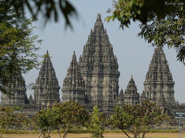 File:Prambanan-temple1.jpg