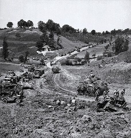 File:570px-Canadian forces Liri Valley May 1944.jpg