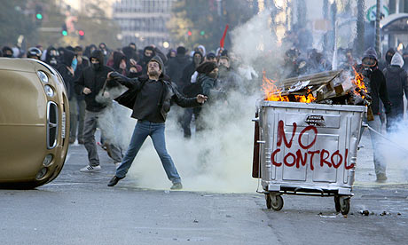 File:Protesters-throw-stones-a-001.jpg