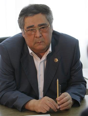 File:Aman Tuleyev, June 2010.jpeg