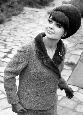 File:Nutria hat and collar, Leipzig 1966.jpg