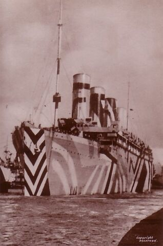 File:RMS Olympic in WWI dazzle paint.jpg