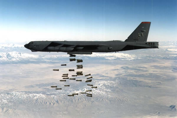 File:Bombers b52 0008.jpg