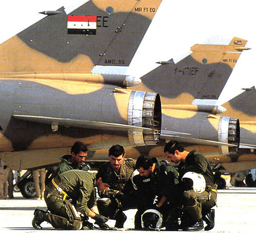 File:Iraqi pilots of mirage F1 before mission in Iran.jpg
