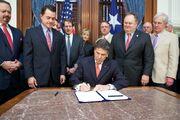2011-05-23-Capitol-SB18-BillSigning-1