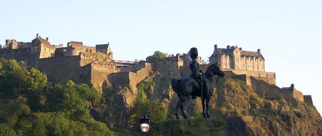 File:Edinburgh Castle.jpg