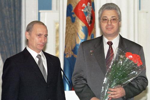 File:Vladimir Putin 22 November 2001-3.jpg