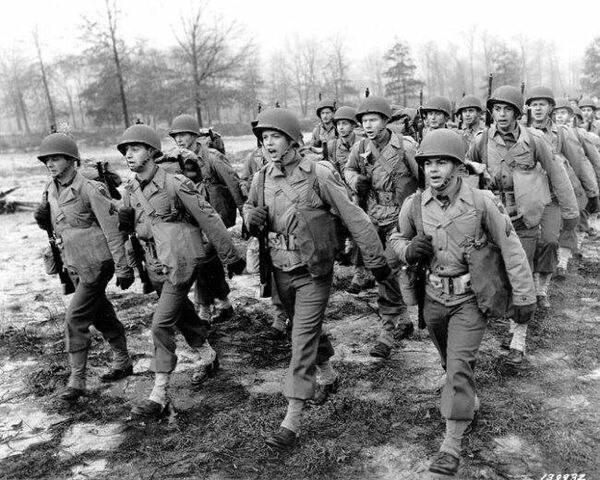 File:World War2 soldiers 2.jpg