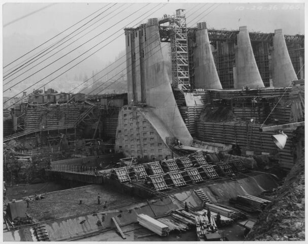 File:Bonneville Dam.jpg