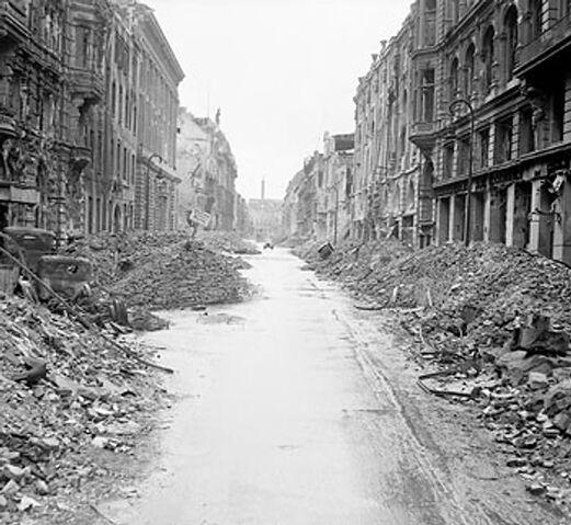 File:Berlin 1945.jpg