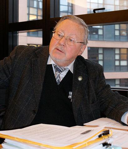 File:511px-Vytautas Landsbergis 2009.jpg