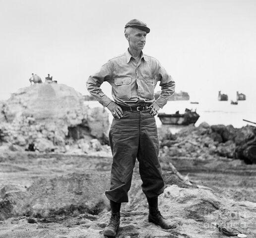 File:Ernie-pyle-1900-1945-american-journalist-photograph-c1942-granger.jpg