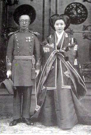 File:Aisin-Gioro Pǔjié and Lady Hiro Saga 1937 wedding photo.jpg