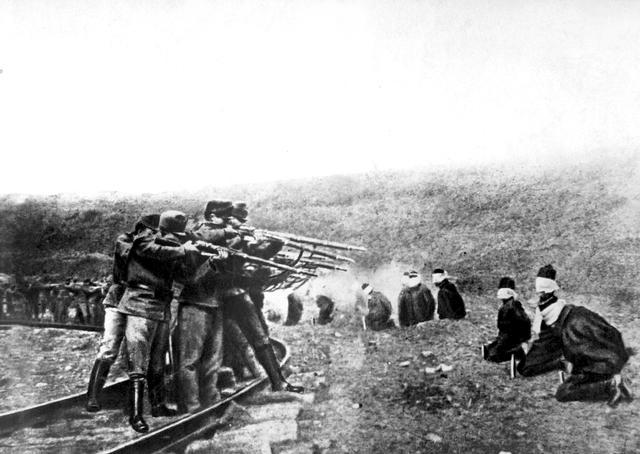 File:Austrians executing Serbs 1917.JPG