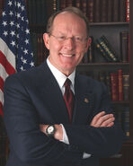 Lamar Alexander official portrait