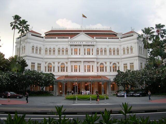 File:SDP Raffles Hotel (VegWorld).JPG