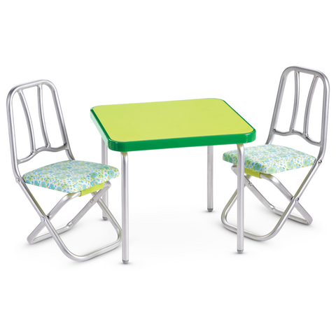 File:MelodyTableAndChairs.png