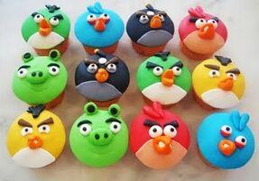Angry bird cupcakes 1