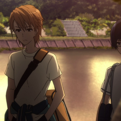 Tomohiko and Naoya walk home together.