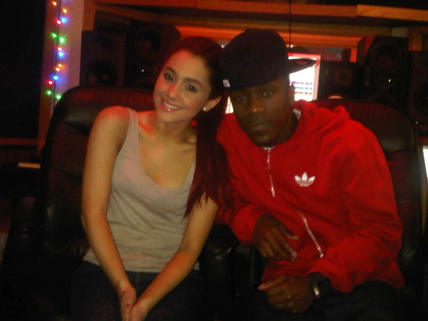 File:Ariana with a friend2.jpg