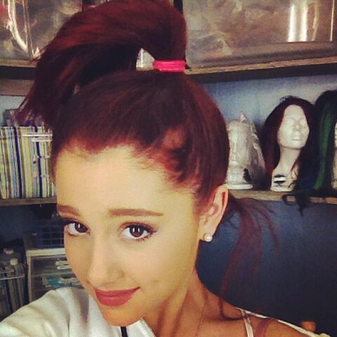 File:Ariana grande ariana grande instagram XyvO4Q5.sized.jpg