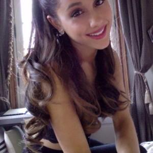 File:Ariana-grande11-300x300.jpg