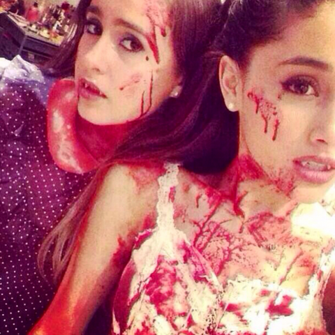 File:Ariana & Alexa zombies halloween 2013.png