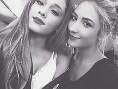 File:Sascha and arianagrande.png