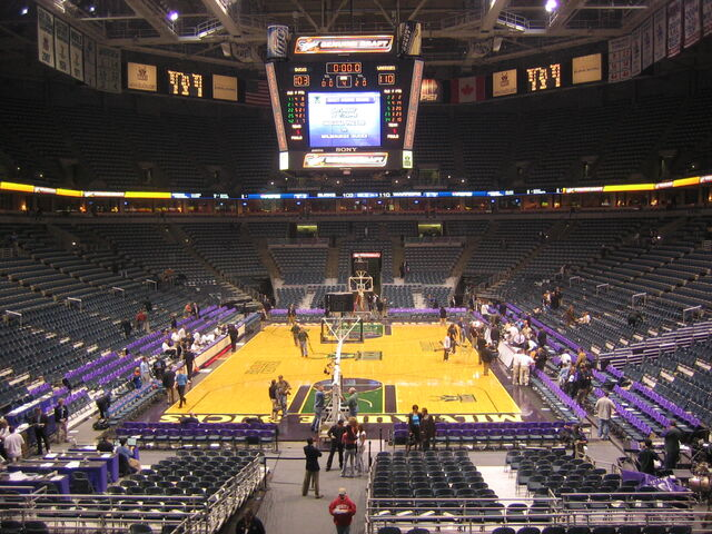 File:Bradley Center-1196093840-366.jpg